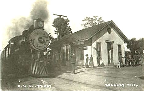 GR&I Depot and Train at Bradley